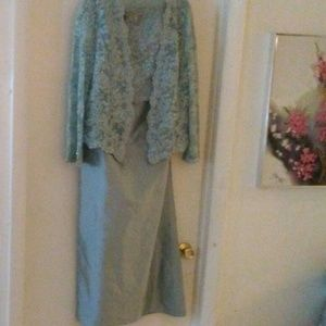 Montage Collection by Mon Cheri. Size 16